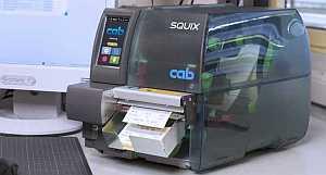 5977019, CAB SQUIX 4.3/300M, Принтер термотрансферный, 300 dpi, центральное расположение материала